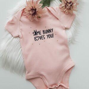 Rompertje 'Some Bunny'