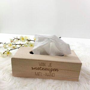 Gegraveerde zakdoeken doos